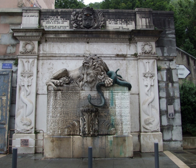 Grenoble_-_La_Fontaine_du_Lion