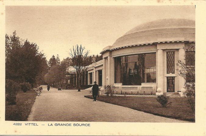 Vittel-FR-88-vers_1930-la_grande_source-1